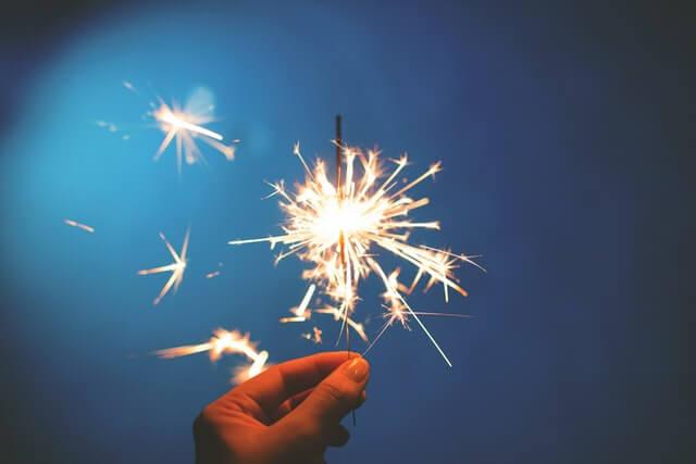 cierge magique pour célébrer l'ouverture de l'entreprise